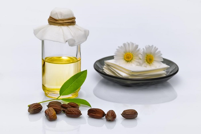 Surprising Benefits Of Jojoba Oil For Beautiful Skin & Hair
