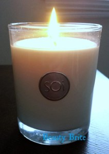 SOI Luxe Box Candle burning