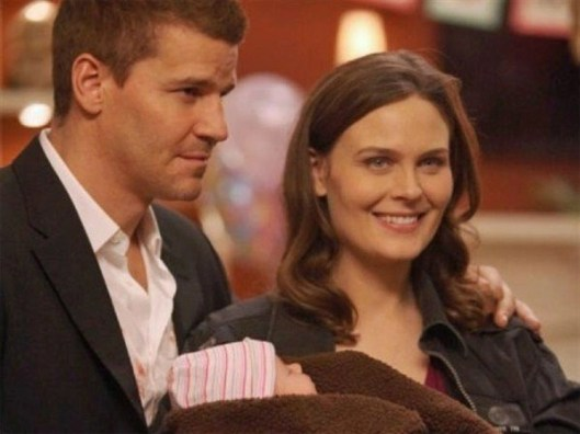Seeley Booth and Temperance Brennan with daughter, Christine (season 8, Bones).  Credit: http://bones.wikia.com/wiki/File:D594A59E3D993EF42F76CE81D4D2.jpg