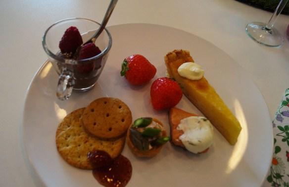 Supergod plockmat med jordgubbar, bubbel och Snapple!