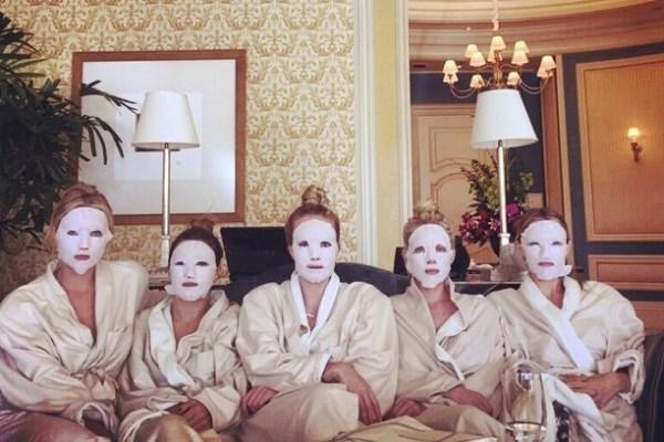 maschere-in-tessuto-cover-Ashley Benson