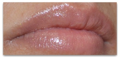 Maybelline Color whisper lipstick - Some Like It Taupe swatch