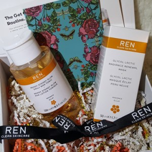 Ren Skincare Ready Steady Glow and Glycol Lactic Mask 1