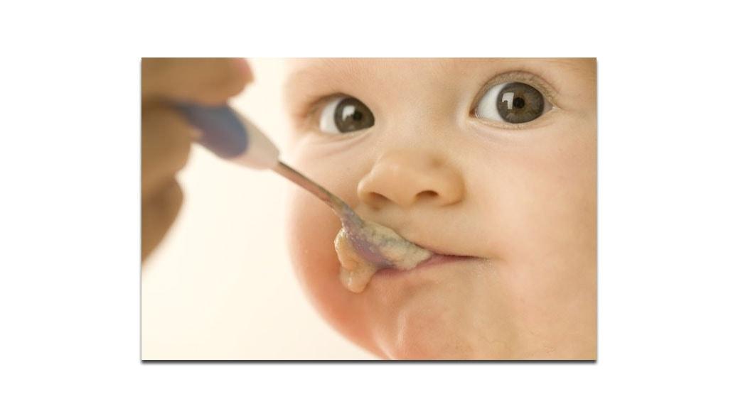 La alimentaci n del beb a partir de 6 meses de edad beb s embarazo maternidad infancia - Alimentacion bebe 6 meses ...