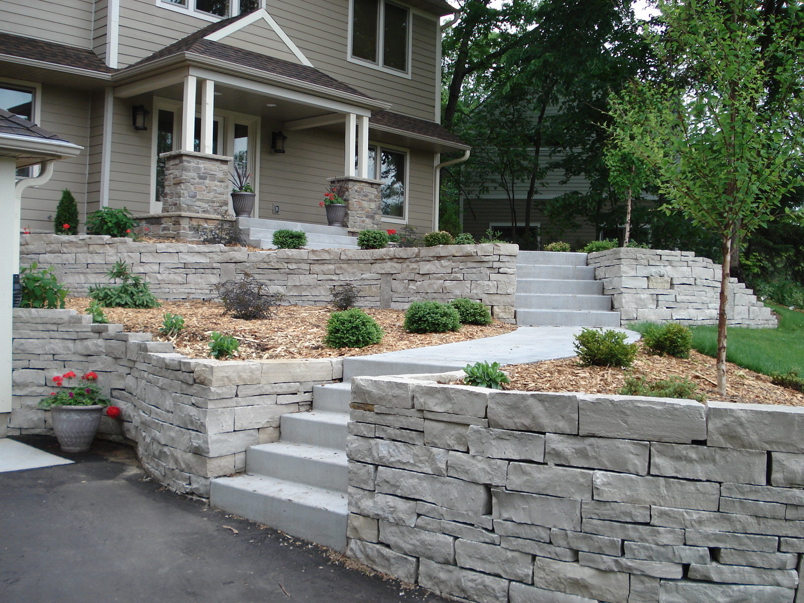 Natural Stone Walls : Photo tutorials beds and borders landscape design