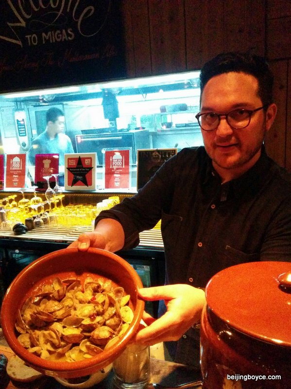josper oven grill fun with eduardo gutierrez chicken clams veggies sausage migas beijing china (3)