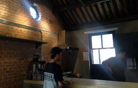 tuk tuk sandwich shop Zak Elmasri fangjia hutong beijing china (2)