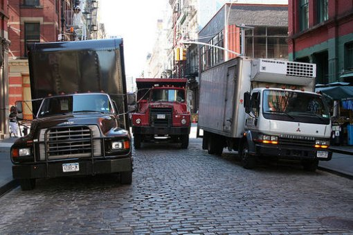 resized_510x339_trucks_in_soho