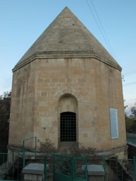 Mansur Baba türbani