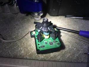 W212のコマンドコントローラーの内部シャフトの修理