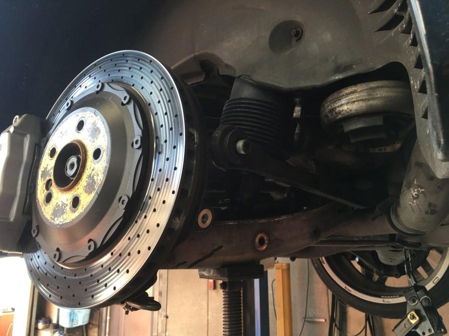 R230で左リヤショックの交換ABC修理