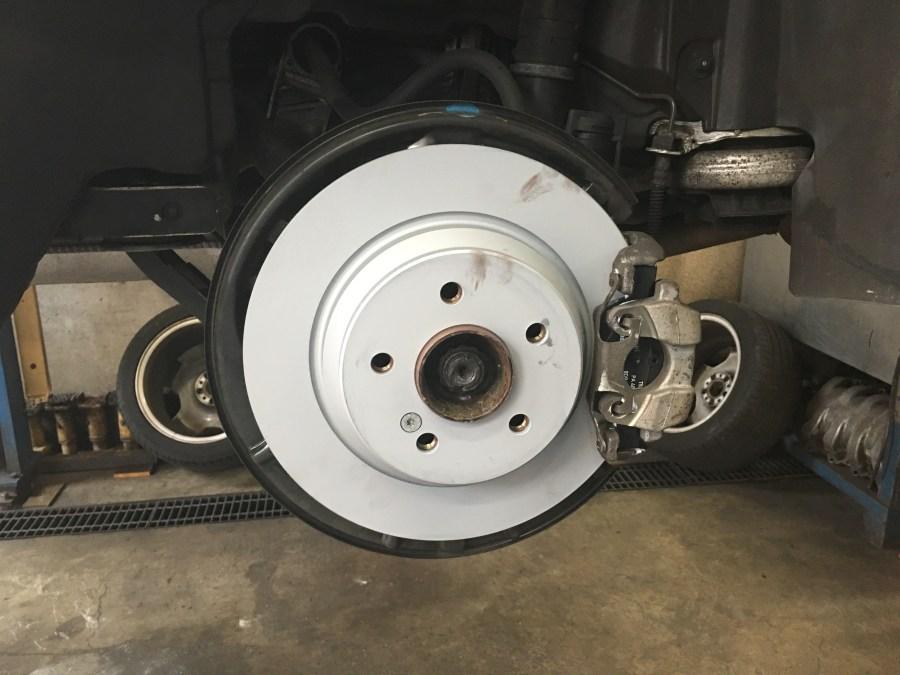 W220のブレーキパッドとローター交換
