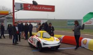 Mobil Listrik Ciptaan Mahasiswa Indonesia Diuji di Sirkuit Milik Ferrari