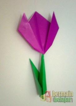 Membuat Origami Batang Bunga