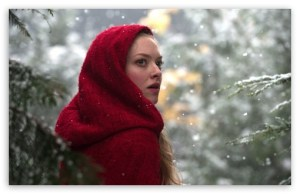 red_riding_hood_2011_movie-t2