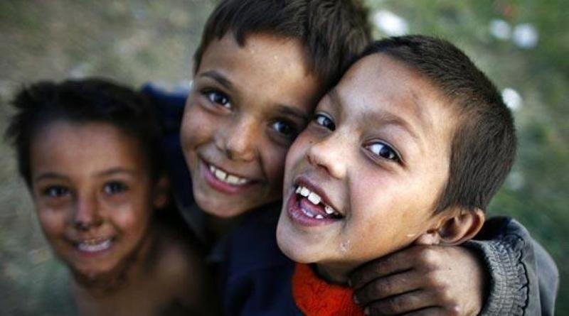 Roma-children_1381333i