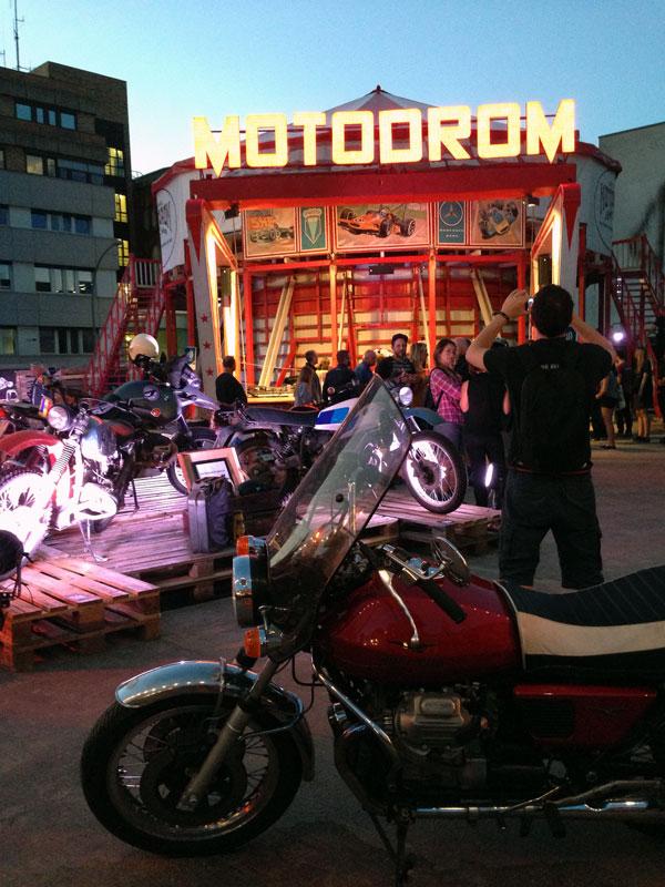 Motodrom und Motorräder auf dem Pure & Crafted 2015