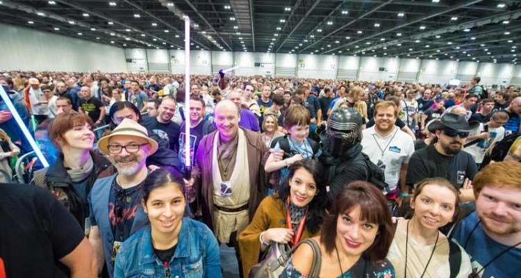 star-wars-celebration-crowd-high-res