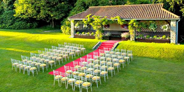 Outdoor Wedding Venue Outside London, Ashdown Park Hotel, Prestigious Venues