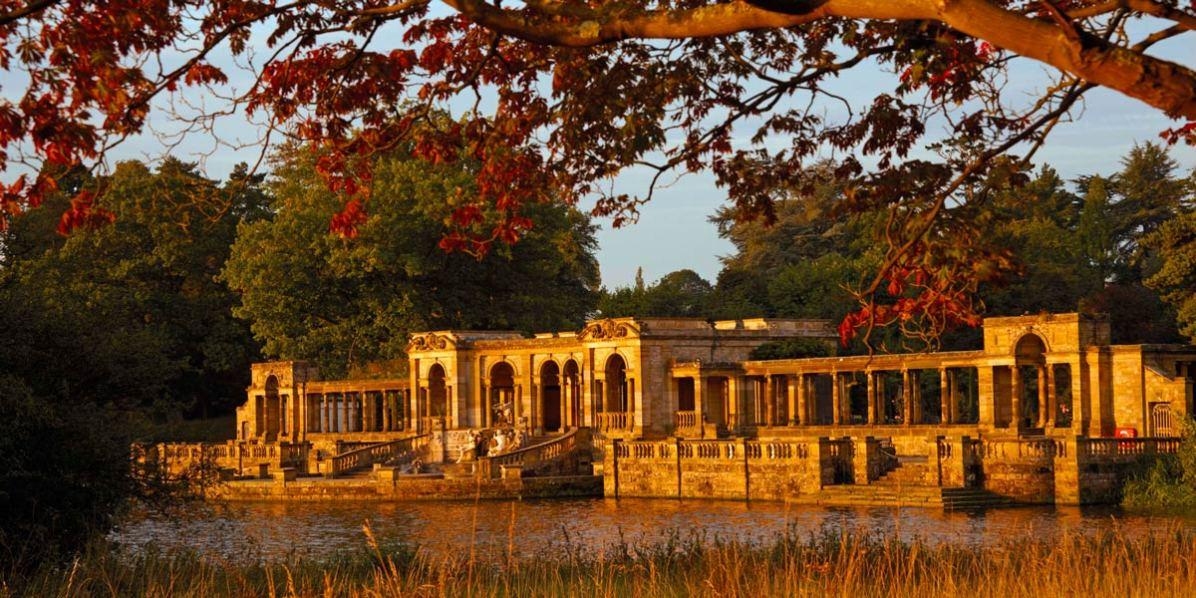 Wedding Venue Outside London, Hever Castle, Prestigious Venues