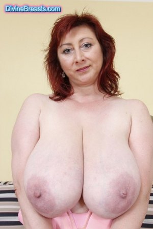 mom saggy breast