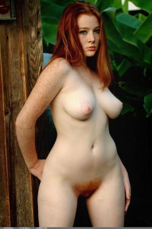 sexy busty nude women