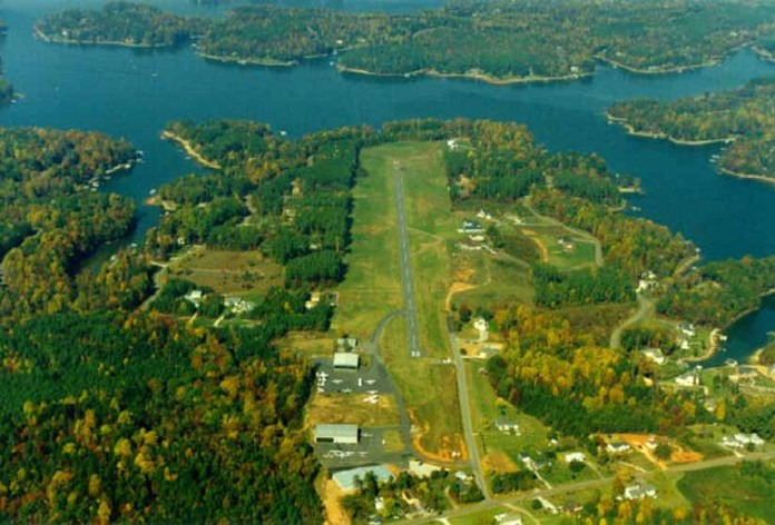 Lake Norman Aerial photo of the Lake Norman Airpark