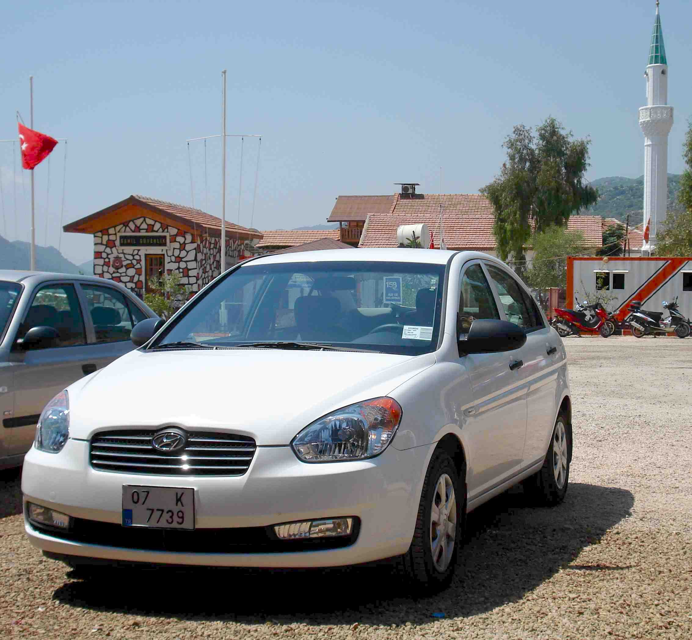 Top Superior State Cars Of World Leaders: Turkey 2009: Hyundai Accent Distant Leader, Fluence Starts