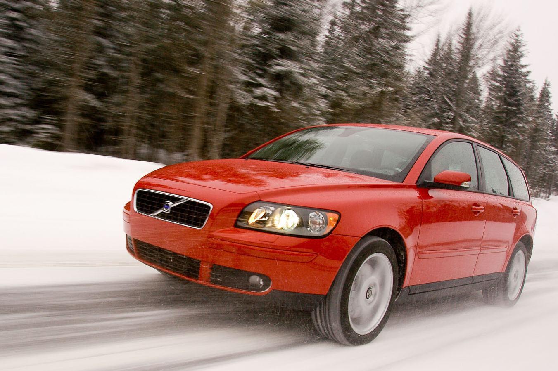 Sweden 2004-2005: Volvo V70 #1, V50 arrives | Best Selling Cars Blog