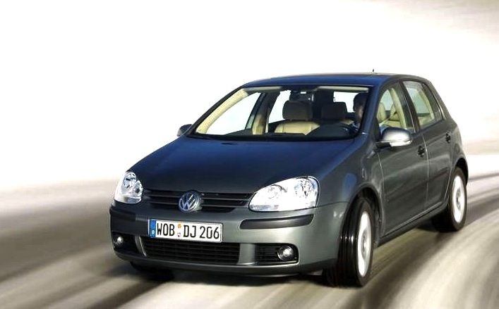 austria 2004 vw golf v leads the way sharan shines. Black Bedroom Furniture Sets. Home Design Ideas