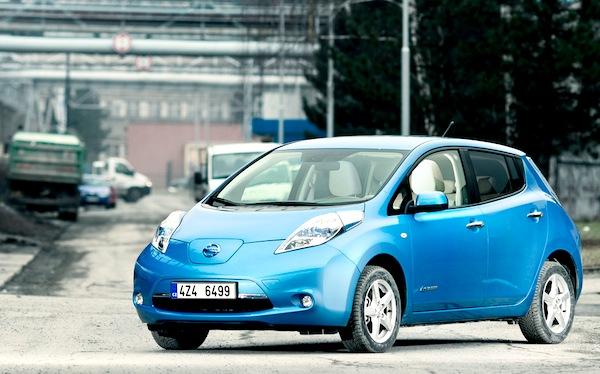 Nissan Leaf Norway April 2013