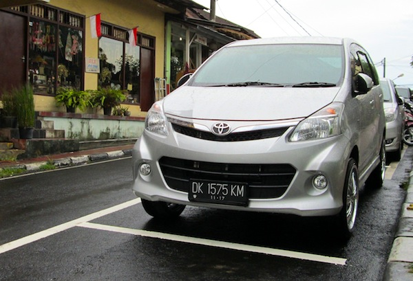 Toyota Avanza Indonesia June 2013b