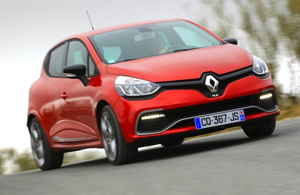 Renault Clio Portugal February 2015. Picture courtesy of automobile-magazine.fr