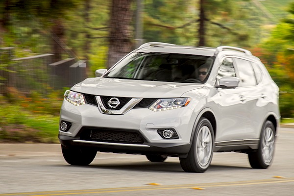 Nissan Rogue Canada June 2015. Picture courtesy of motortrend.com