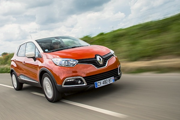 Renault Captur Slovenia April 2016. Picture courtesy of largus.fr