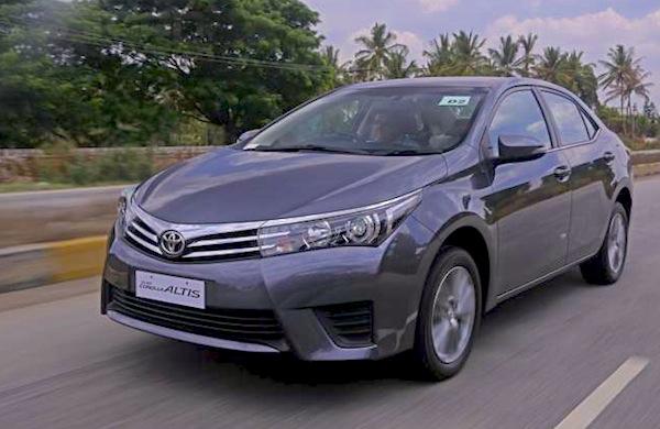 Toyota Corolla Pakistan 2014. Picture courtesy of zeeginition.com