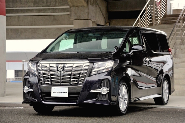 Toyota Alphard Japan February 2015. Picture courtesy response.jp
