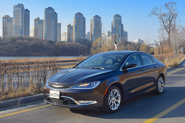 Chrysler 200 South Korea March 2015. Picture courtesy motorian.kr