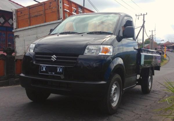 11. Suzuki APV Pikap Bali June 2015