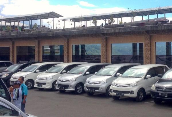 8. Toyota Avanza Bali June 2015e