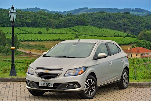 Chevrolet Onix Brazil October 2015. Picture courtesy motordream.uol.com.br
