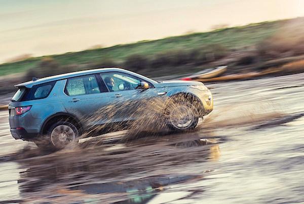 Land Rover Discovery Sport UK November 2015. Picture courtesy carmagazine.co.uk