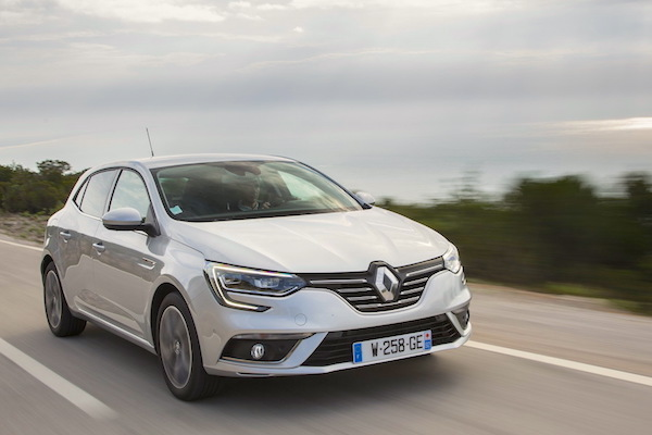 Renault Megane IV France December 2015. Picture courtesy largus.fr