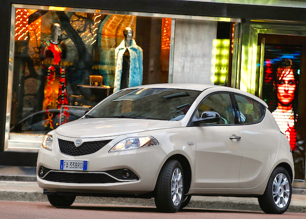 Lancia Ypsilon Italy January 2016