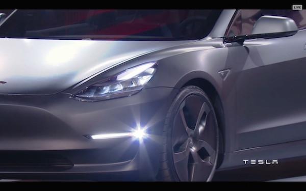 Tesla Model 3 Picture 2