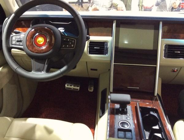 Hongqi LS5 interior