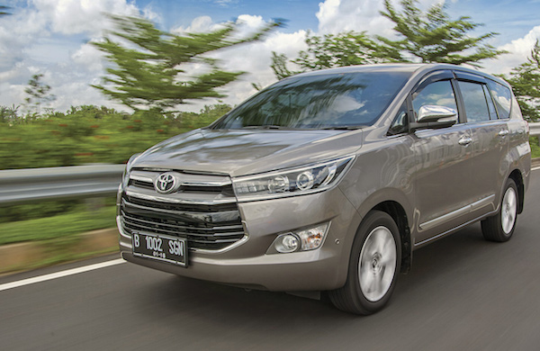 Toyota Innova Crysta India May 2016. Picture courtesy quikr.com