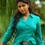 amala-paul-hot