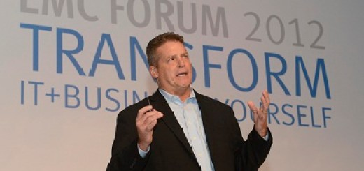 Brian-Gallagher-President-of-EMC's-Enterprise-Storage-Division-Delivering-the-Keynote
