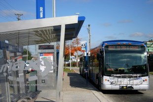 MAX bus Waldo KC Oct 2009